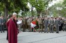 Uroczystość odsłonięcia tablicy pamiątkowej i złożenia wieńca pod pomnikiem poległych w 1914 i 1915 roku przez podchorążych najstarszego rocznika oraz kadrę oficerską Theresianische Militärakademie w Wiener Neustadt w asyście honorowej Wojska Polskiego -